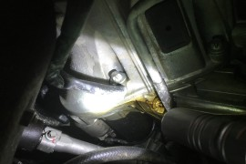 机油座漏油