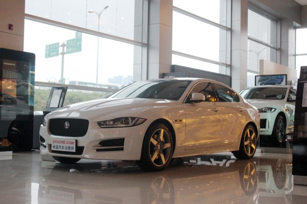 捷豹XE最高让利8.1万 店内少量现车在售