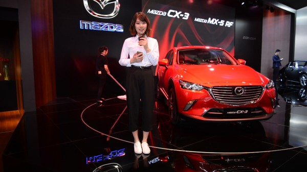 2017上海车展视频直击 马自达CX-3