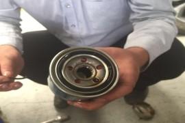 更换机油滤后导致漏机油