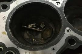 发动机气门断裂