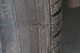 北京现代朗动所配天津锦湖轮胎严重质量问题