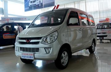 五菱之光 2016款 1.2L 手动 厢式运输车 7座