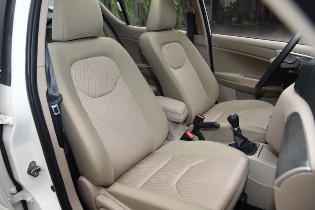 副驾驶座座椅